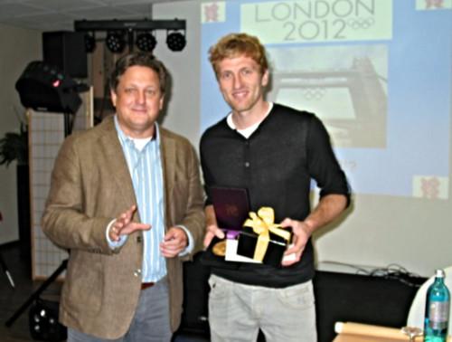Lutz Thimm und Hockey-Olypmpiasieger Jan-Philipp Rabente
